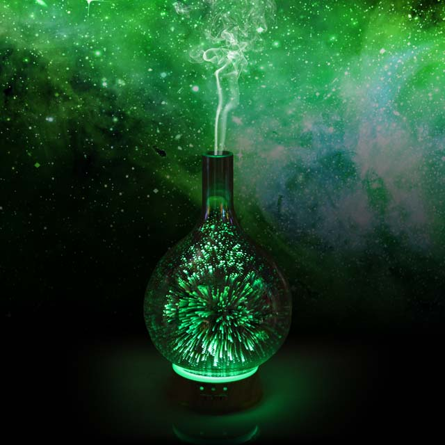 Cosmo long stem glass aromatherapy diffuser (Green)